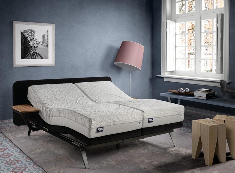 Dormir en pareja sobre cama Finesse